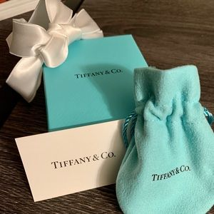 Empty Tiffany's necklace box w/dust bag and ribbon